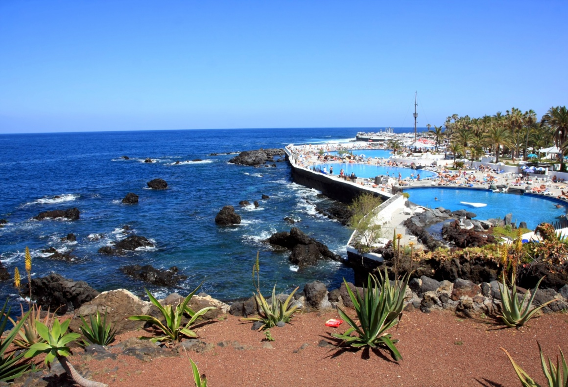 Puerto de la cruz a peaceful retreat in the north of tenerife - Playa puerto de la cruz tenerife ...